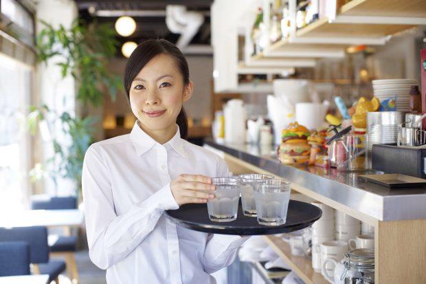居酒屋、ファミレス、ファストフードのバイト経験者に聞いてみた! 飲食店バイトの忘れられない失敗談とその対処法