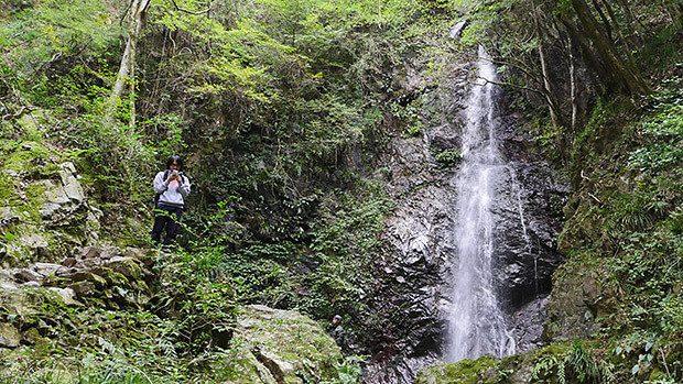 日本の滝百選にも選ばれた「払沢の滝」