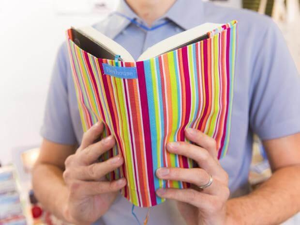 どんな大きさの本にも対応できる『Free size Bookcover』はありそうでなかったアイテム!