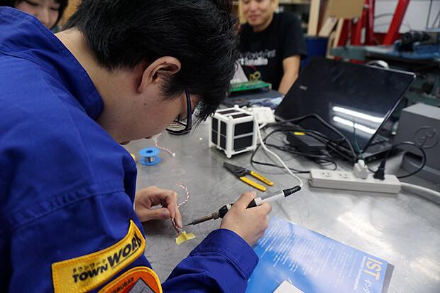 人工衛星キット「ARTSAT KIT」製造サポートバイト_09