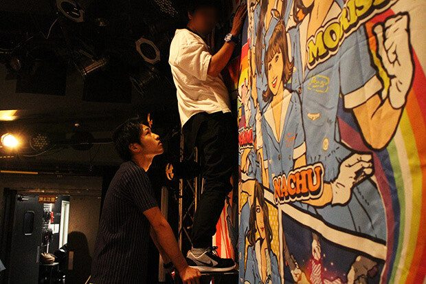 【激レア 体験レポ】アテンションプリーズ! 話題のガールズロックユニット「PASSPO☆」のワンマンライブをサポート!